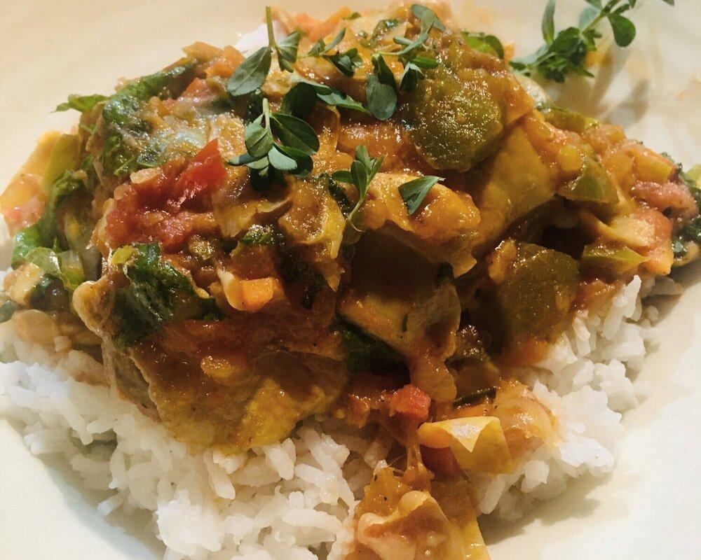 Serve Spanish Chicken over fluffy rice.